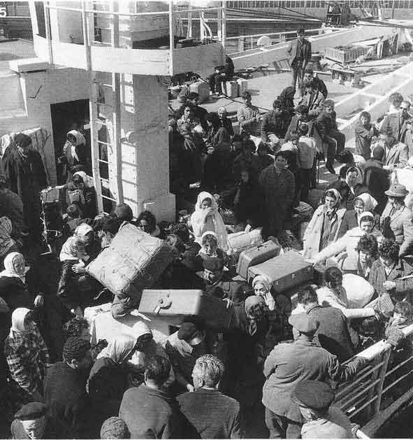 Interrogeons les vivants et les morts - Port de marseille pour aller en algerie ...